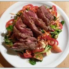 Was mich morgens beschäftigt: Steak & Salat